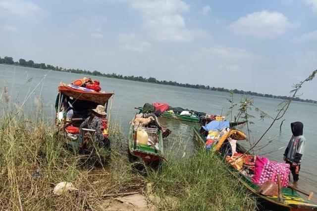 Ngăn chặn 35 người Khmer gốc Việt cố nhập cảnh trái phép từ Campuchia - 2