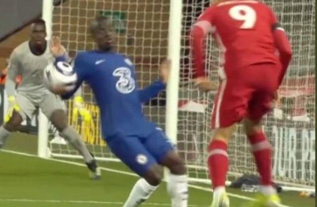 Liverpool mất oan quả phạt đền trước Chelsea