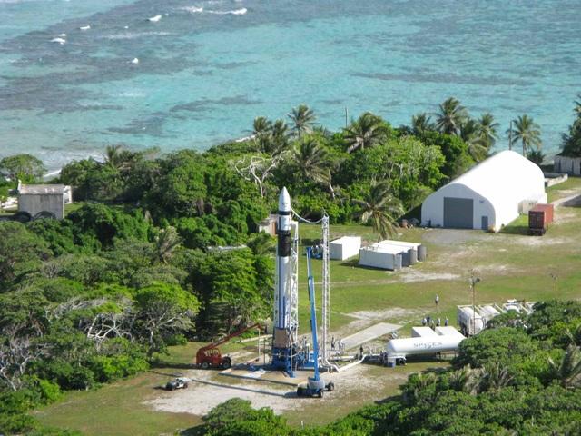 Elon Musk từng để các kỹ sư SpaceX sống trên hòn đảo không có thức ăn - 1