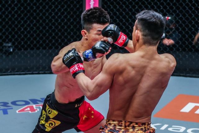 Chiến binh Rồng knock-out võ sĩ Nhật Bản, chờ Thành Lê - 1