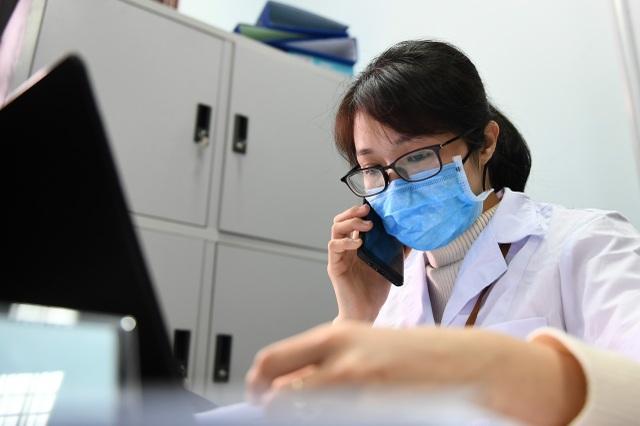 Nam tiếp viên hàng không đăng ký tiêm thử vắc xin Covid-19 - 6