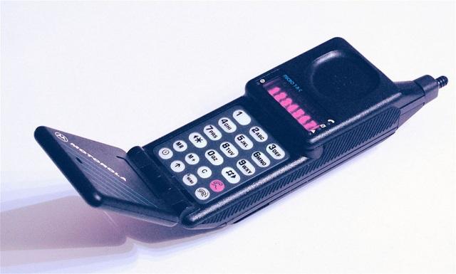10 mẫu điện thoại nổi tiếng nhất lịch sử, bạn biết bao nhiêu trong số này? - 2