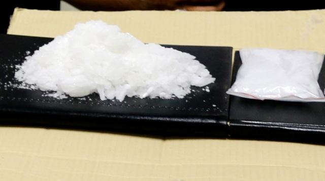 Triệt phá hàng loạt vụ án ma túy, thu giữ 1,5 bánh heroin, 1,7kg ma túy đá - 6