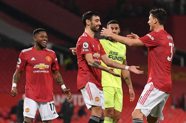 Man Utd sắp mất núi tiền vì Bruno Fernandes - 2