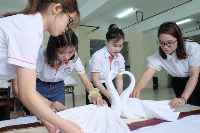Cô giáo trẻ tiêu biểu toàn quốc chia sẻ cách truyền lửa yêu nghề cho SV - 2