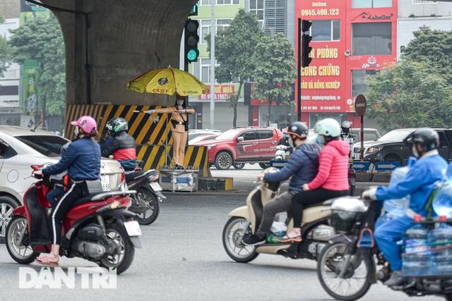 Một ngày của bông hồng thép Cảnh sát giao thông Hà Nội - 2