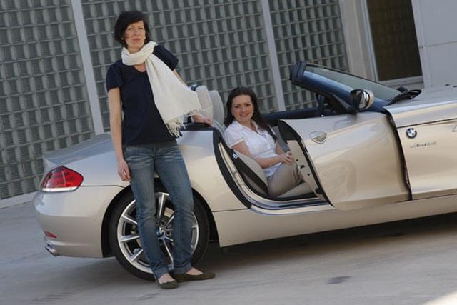 Những cực phẩm của phụ nữ trong thế giới xe hơi - 2