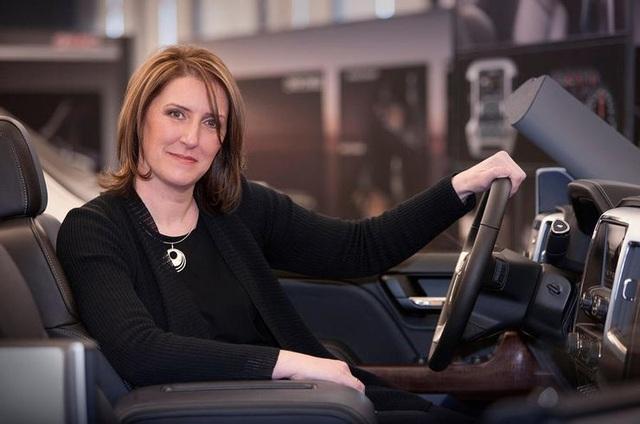 Những cực phẩm của phụ nữ trong thế giới xe hơi - 6