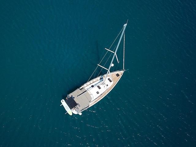 Gia đình bán hết gia tài mua thuyền, quyết lênh đênh du lịch trong 5 năm - 1