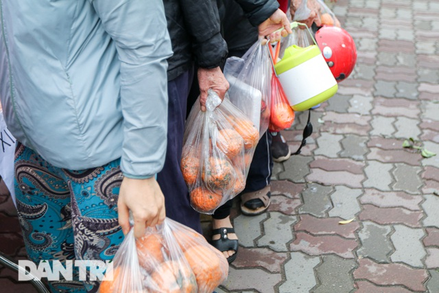 Phát miễn phí cam Hà Giang đến bệnh nhân, người lao động gặp khó khăn - 10