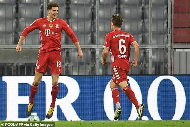 Lewandowski lập hat-trick, Bayern Munich ngược dòng đánh bại Dortmund - 6
