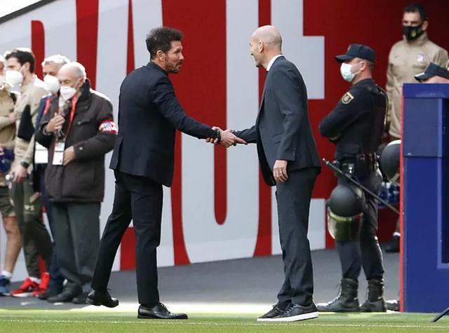 Luis Suarez ghi bàn, Atletico vẫn hòa tiếc nuối Real Madrid - 17
