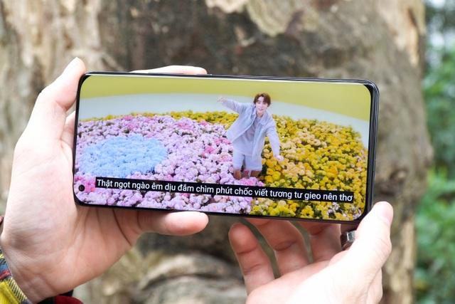 Đánh giá Xiaomi Mi 11: đối thủ của iPhone 12, Galaxy S21+ - 2