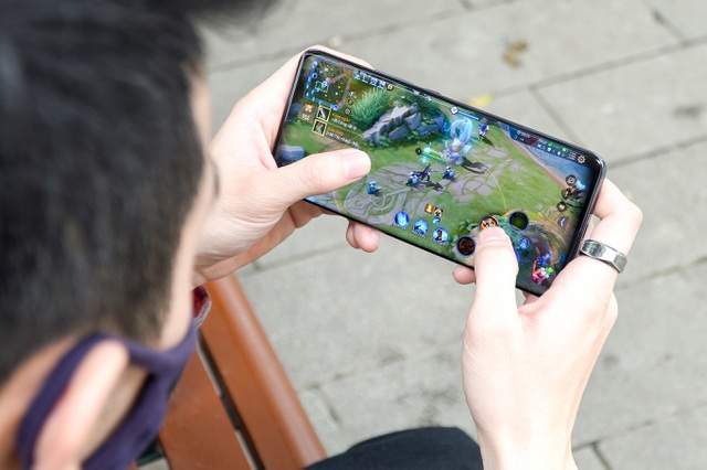 Đánh giá Xiaomi Mi 11: đối thủ của iPhone 12, Galaxy S21+ - 7