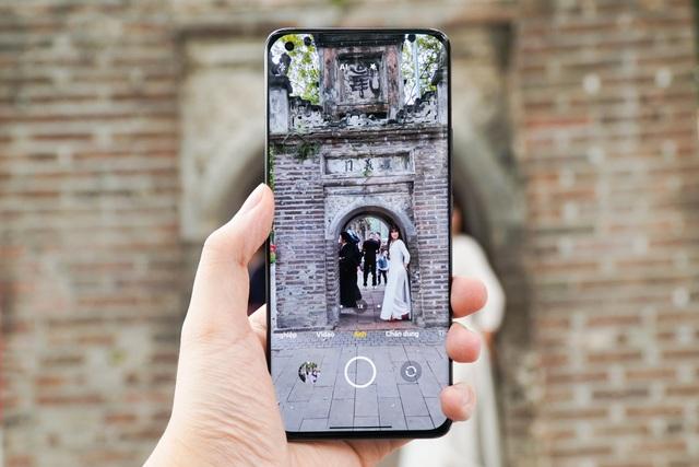 Đánh giá Xiaomi Mi 11: đối thủ của iPhone 12, Galaxy S21+ - 4