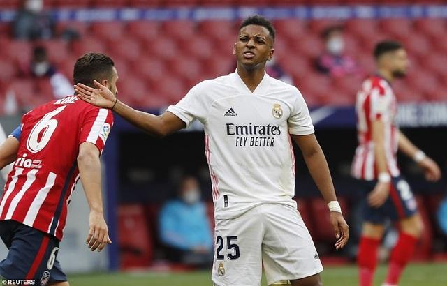 Những khoảnh khắc Real Madrid hút chết trên sân Atletico - 5