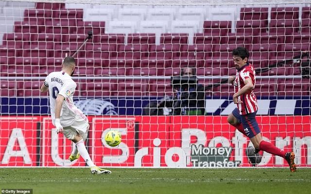 Những khoảnh khắc Real Madrid hút chết trên sân Atletico - 8