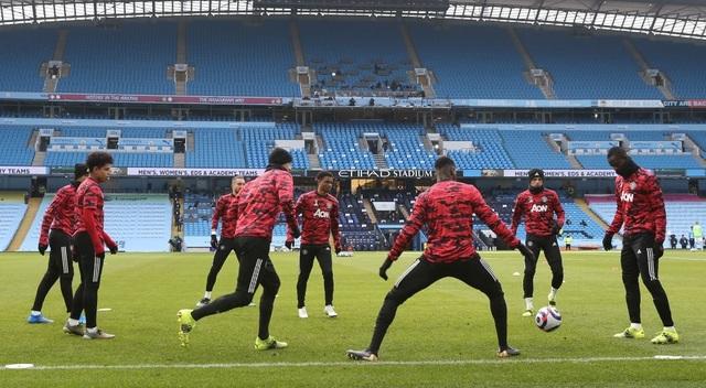 Man City 0-2 Man Utd: Đòn knock-out chớp nhoáng - 11