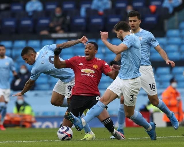 Man Utd chặt đứt mạch toàn thắng 21 trận của Man City - 3