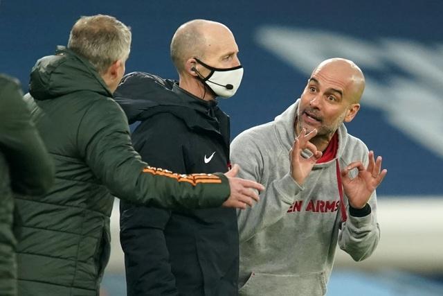 Man Utd chặt đứt mạch toàn thắng 21 trận của Man City - 14