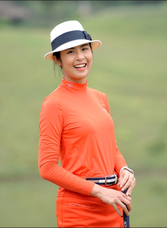 Hoa hậu Ngọc Hân rạng rỡ bên Hoa hậu Jennifer Phạm - 1