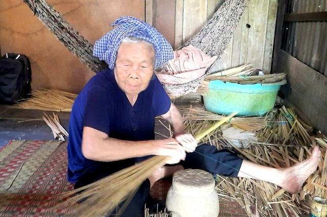Thăm làng nghề ở miền Tây chuyên làm đẹp trong nhà, ngoài phố… - 1