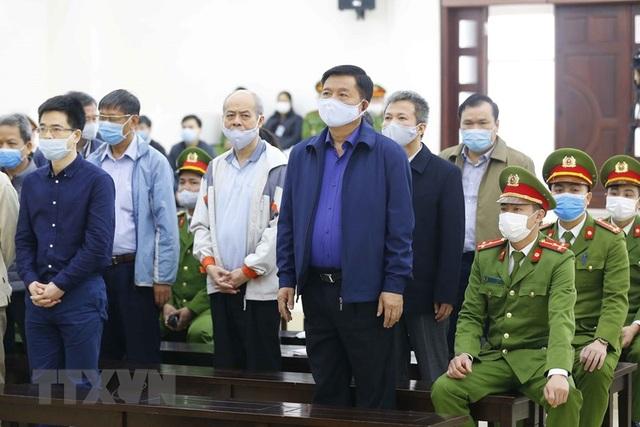 Trịnh Xuân Thanh hầu tòa cùng ông Đinh La Thăng - 1