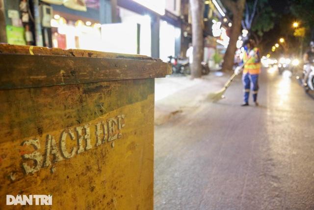 Nữ công nhân vệ sinh: Ngày 8/3 rác chắc sẽ nhiều hơn, việc vất vả hơn - 5