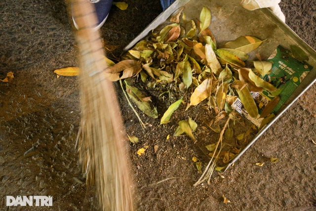Nữ công nhân vệ sinh: Ngày 8/3 rác chắc sẽ nhiều hơn, việc vất vả hơn - 6