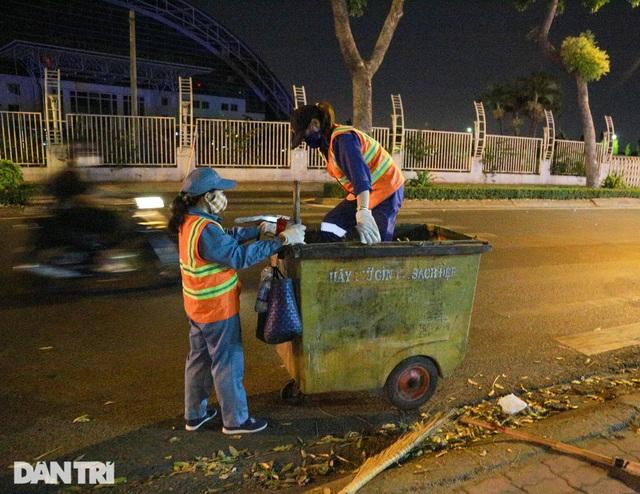 Nữ công nhân vệ sinh: Ngày 8/3 rác chắc sẽ nhiều hơn, việc vất vả hơn - 8