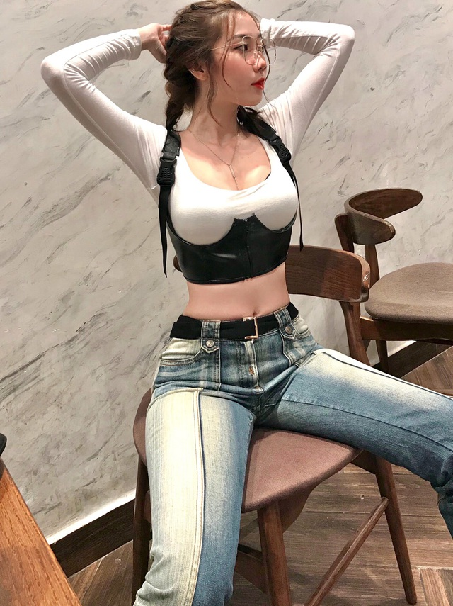 Hot girl Đồng Nai diện đồ gợi cảm, khoe khéo vóc dáng chuẩn đẹp - 9