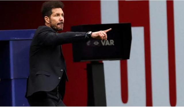 Atletico bị Real Madrid cầm hòa, HLV Simeone lo lắng mất chức vô địch - 2
