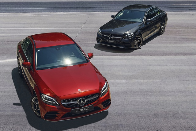 Mercedes-Benz C 180 AMG giá 1,5 tỷ đồng - tăng áp lực cho BMW 3-Series - 1