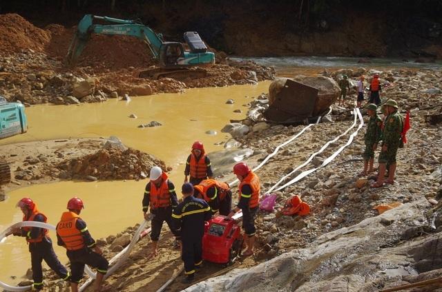 Tìm kiếm nạn nhân Rào Trăng: Khó khăn nhất là kiểm soát dòng chảy - 2
