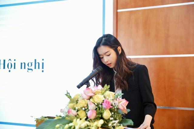 Nữ Chủ tịch hội SV ĐH Ngoại thương xinh đẹp, sở hữu bảng thành tích đáng nể - 4