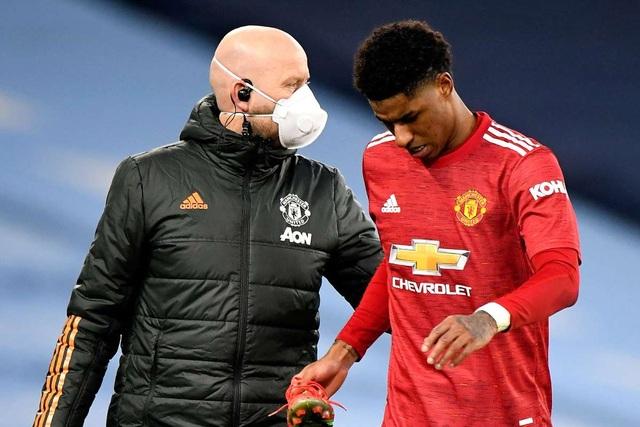 Man Utd đón hung tin sau chiến thắng trước Man City - 2