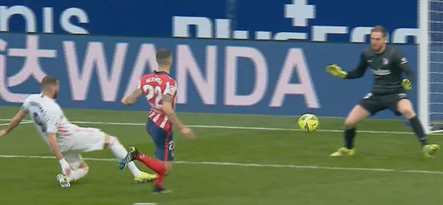 Luis Suarez ghi bàn, Atletico vẫn hòa tiếc nuối Real Madrid - 3