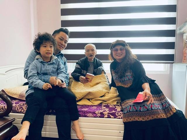 Tùng Dương: Vợ giúp tôi bớt cực đoan, bảo thủ - 1