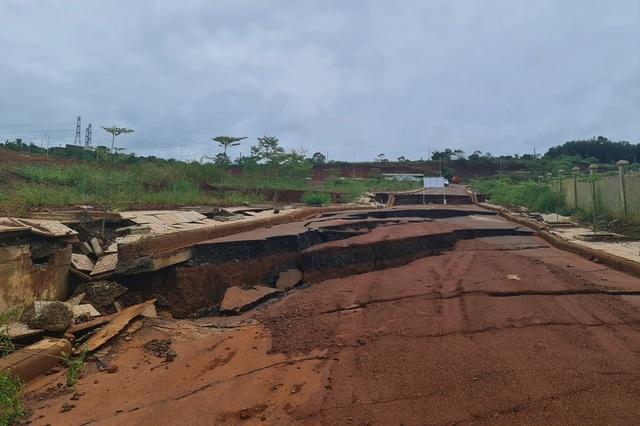 Điểm danh những dự án tiền tỷ cứ xây lại sập ở Đắk Nông - 2