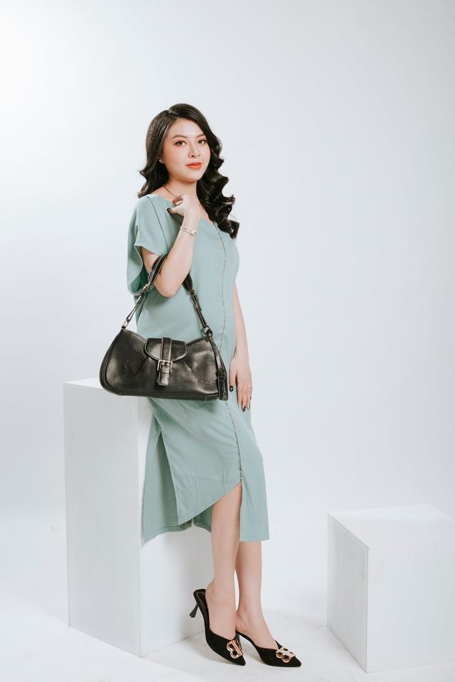 Ngọc Quyên Shop chia sẻ chọn màu túi phù hợp với trang phục - 2