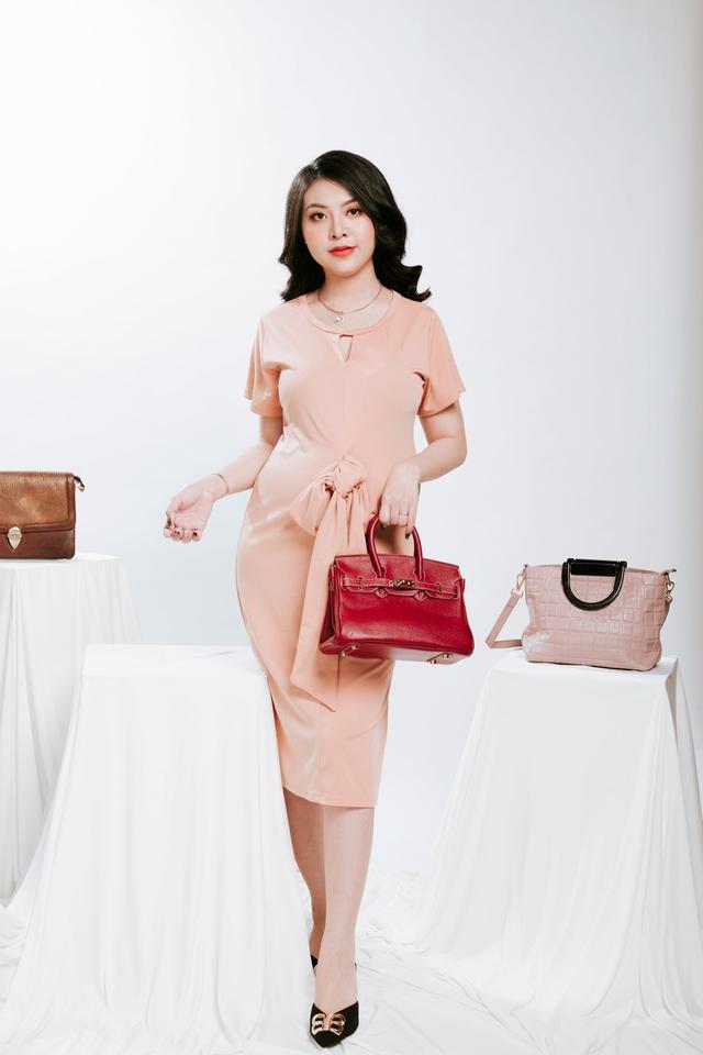 Ngọc Quyên Shop chia sẻ chọn màu túi phù hợp với trang phục - 4