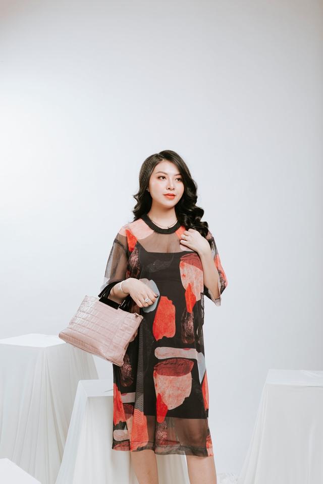 Ngọc Quyên Shop chia sẻ chọn màu túi phù hợp với trang phục - 5