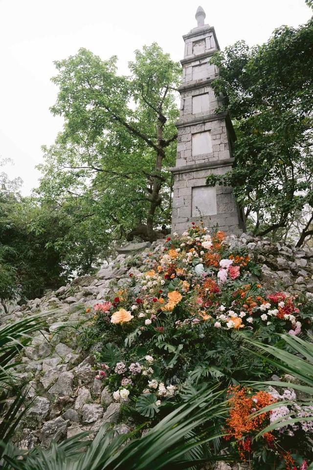 Hơn 100 cột đèn nở hoa giữa trung tâm Hà Nội - 5
