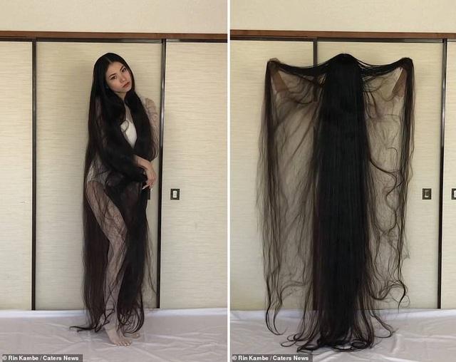 Cô gái 15 năm không cắt tóc - 4