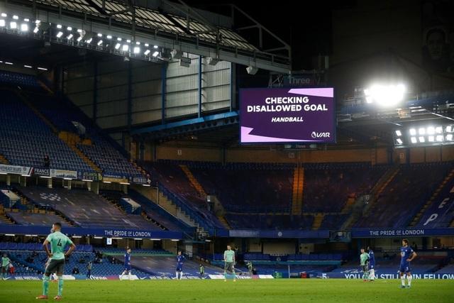 Chelsea 2-0 Everton: Bàn phản lưới nhà, VAR và phạt đền - 2
