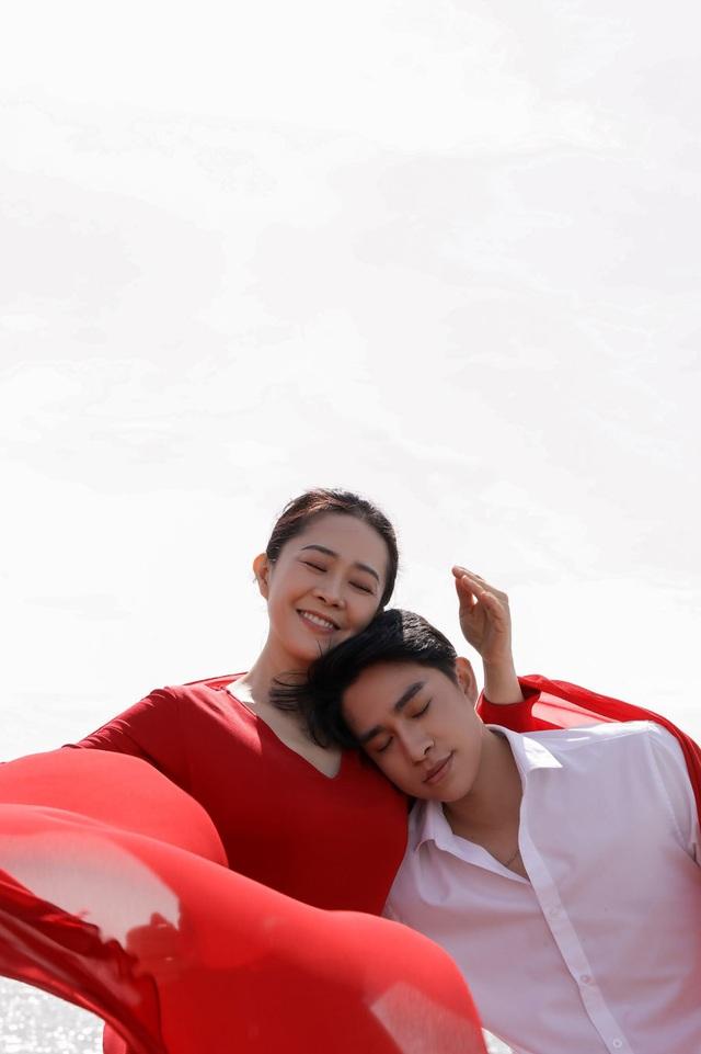 Giọng ca phi giới tính Trần Tùng Anh ra MV đầu tay về mẹ - 2