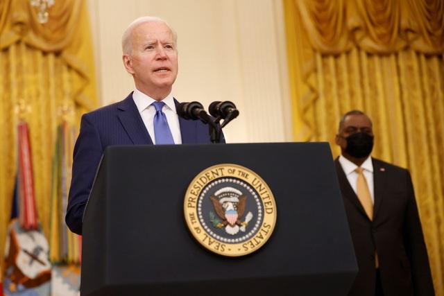 Ông Biden quên tên bộ trưởng quốc phòng - 1