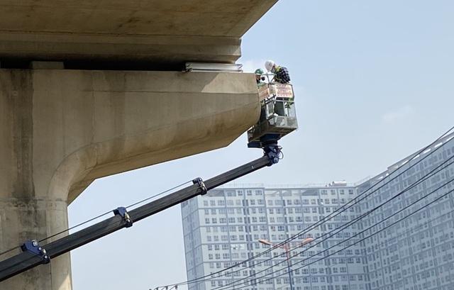 Phát hiện thêm 4 gối cao su dầm cầu metro số 1 bị xê dịch - 1
