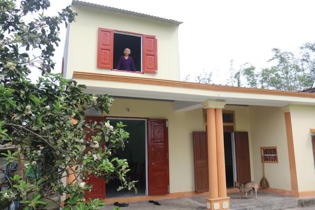 Cụ bà Quảng Bình nhanh chân chạy lũ: Có nhà ni gia đình tui thoát chết - 3