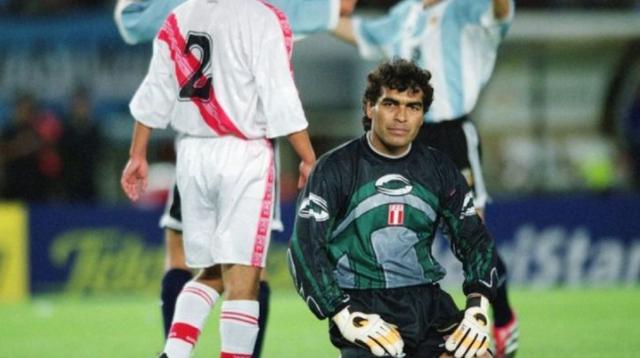 Cựu thủ môn đội tuyển Peru qua đời vì trụy tim - 1